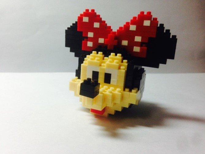 Review LOZ Diamond Blocks Model 9414-Mickey Mouse-10