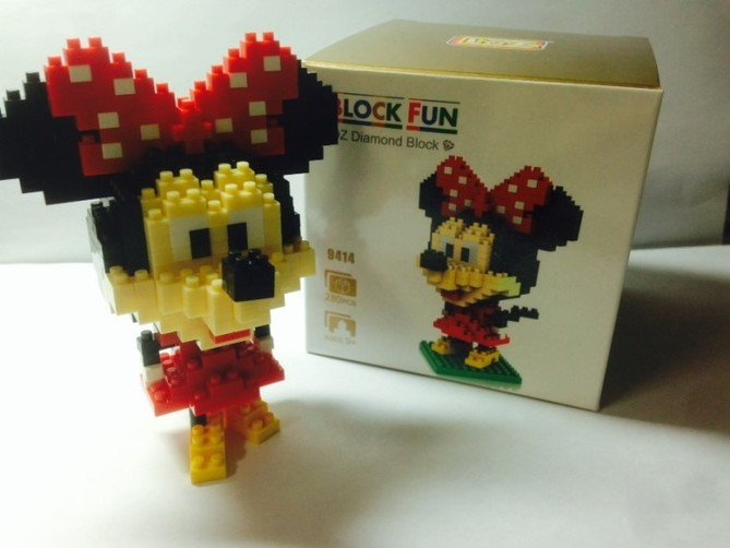 Review LOZ Diamond Blocks Model 9414-Mickey Mouse-13