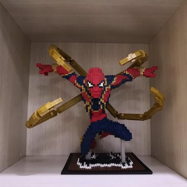 Balody 8831-4 Avengers Flying Spider Man XL