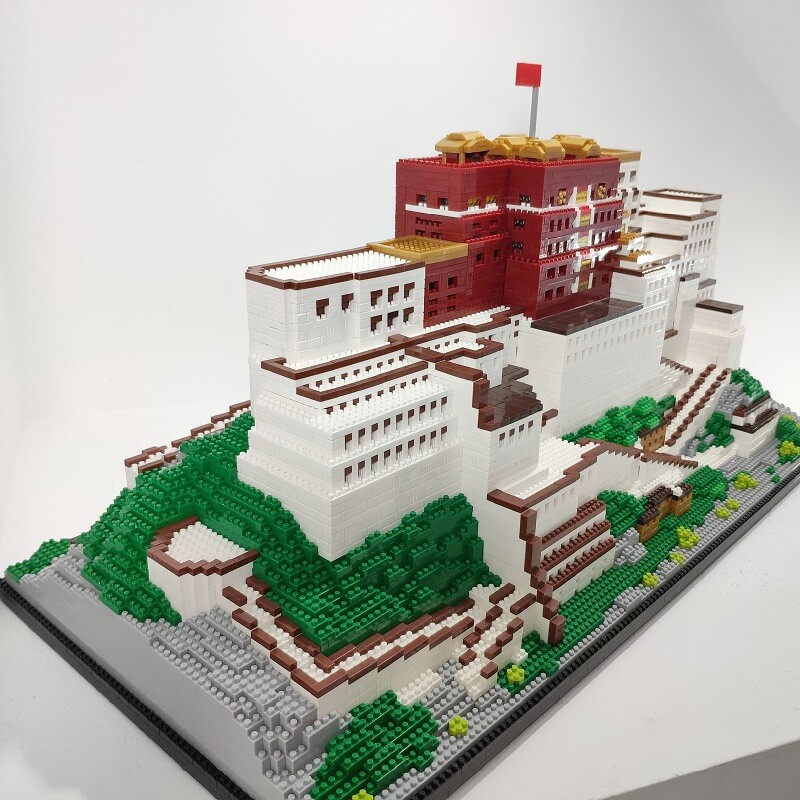 ZPX 9922 The Potala Palace Of Lhasa Brickheadz