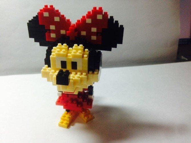Review LOZ Diamond Blocks Model 9414-Mickey Mouse-11