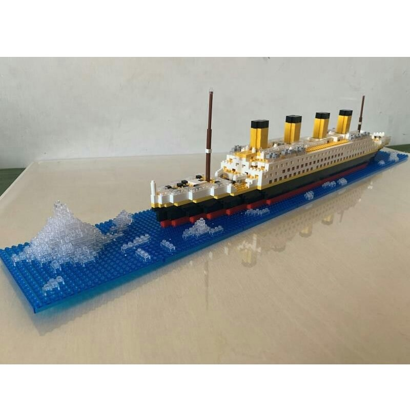 YZ 66503 Large Titanic Ship