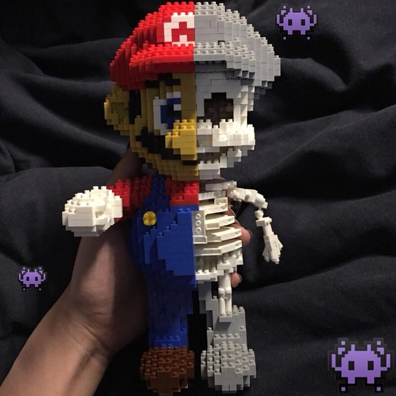 ZRK 7807 Super Mario Red Mario Dissection Skeleton