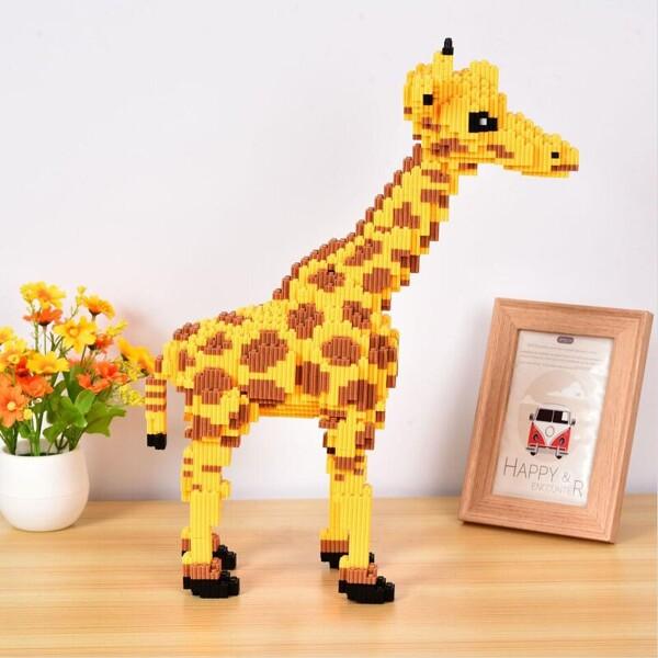 DUZ 8639 Yellow Giraffe