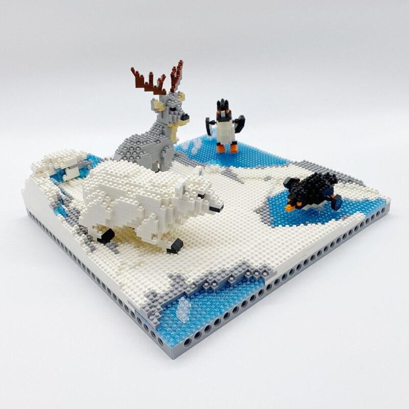 PZX 6622 Animal World Penguin Bird Polar Bear Deer