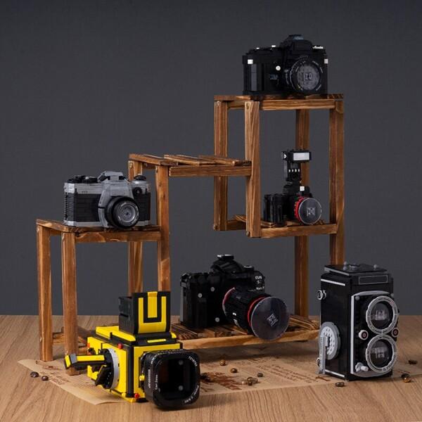 Lin 00884-00909 Camera