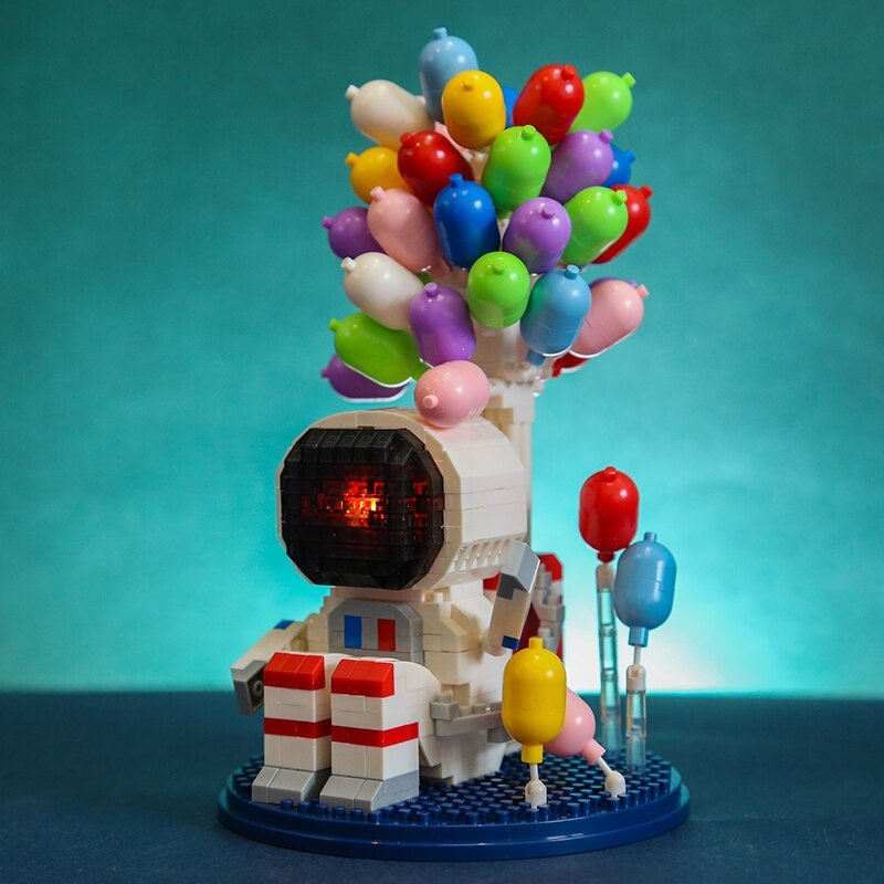 Wise Hawk 2703 Astronaut Spaceman Balloon with LED Light Display Covered Wood Base